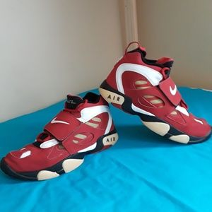 42f121cbc5 Men Nike Diamond Turf Shoes on Poshmark